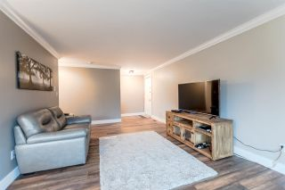 """Photo 4: 1019 OLD LILLOOET Road in North Vancouver: Lynnmour Condo for sale in """"Lynnmour West"""" : MLS®# R2204936"""
