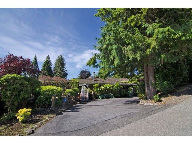 FEATURED LISTING: 91 BONNYMUIR Drive West Vancouver