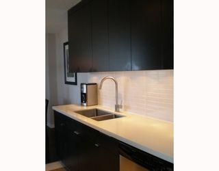 Photo 3: #2102 - 2041 Bellwood Avenue in Burnaby: Brentwood Park Condo  (Burnaby North)  : MLS®# V790670