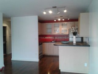 """Photo 6:  in North Vancouver: Lower Lonsdale Condo for sale in """"Talisman Towers"""" : MLS®# R2402892"""