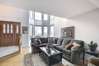 Photo 7: 185 Strathcona Road SW in Calgary: Strathcona Park Detached for sale : MLS®# A1113146