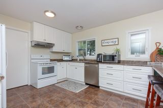 Photo 15: 10306 Gabriola Pl in Sidney: Si Sidney North-East House for sale : MLS®# 869552