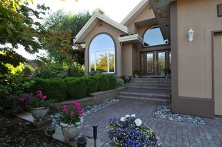Photo 4: 2305 139A Street in Chantrell Park: Home for sale : MLS®# f1317444