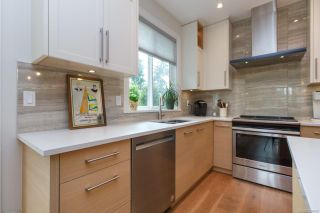 Photo 7: 8031 Huckleberry Crt in : CS Saanichton House for sale (Central Saanich)  : MLS®# 854688