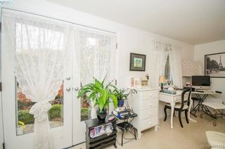 Photo 45: 922 Lawndale Ave in VICTORIA: Vi Fairfield East House for sale (Victoria)  : MLS®# 800501