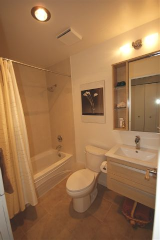 """Photo 13: 1310 W 7TH Avenue in Vancouver: Fairview VW Townhouse for sale in """"FAIRVIEW VILLAGE"""" (Vancouver West)  : MLS®# R2177755"""