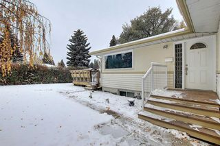Photo 2: 75 FAIRVIEW Crescent SE in Calgary: Fairview Detached for sale : MLS®# A1057690