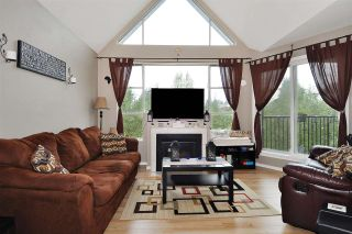 """Photo 2: 409 11595 FRASER Street in Maple Ridge: East Central Condo for sale in """"BRICKWOOD PLACE"""" : MLS®# R2419789"""