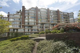 "Photo 2: 202 1490 PENNYFARTHING Drive in Vancouver: False Creek Condo for sale in ""HARBOUR COVE"" (Vancouver West)  : MLS®# V977927"