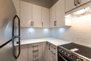 """Photo 6: 101 707 EIGHTH Street in New Westminster: Uptown NW Condo for sale in """"THE DIPLOMAT"""" : MLS®# R2208182"""