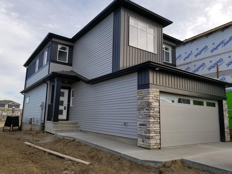 FEATURED LISTING: 1033 Berg Place Leduc
