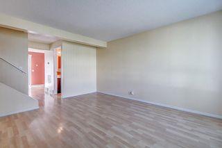 Photo 6: 145 WOODSMAN Lane SW in Calgary: Woodbine Row/Townhouse for sale : MLS®# C4303483