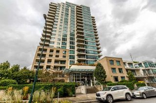 """Photo 2: 905 125 MILROSS Avenue in Vancouver: Mount Pleasant VE Condo for sale in """"CREEKSIDE"""" (Vancouver East)  : MLS®# R2218297"""
