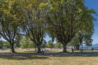 """Photo 2: 204 2110 CORNWALL Avenue in Vancouver: Kitsilano Condo for sale in """"SEAGATE VILLA"""" (Vancouver West)  : MLS®# R2489101"""