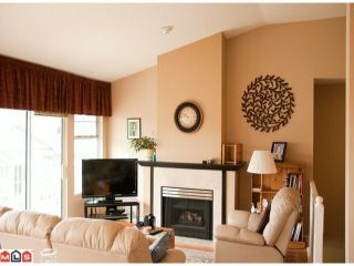 """Photo 2: 14 20751 87TH Avenue in Langley: Walnut Grove Townhouse for sale in """"Summerfield"""" : MLS®# F1113182"""