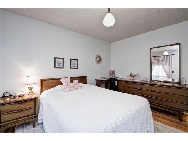 Photo 32: Photos: 210 OAKMOOR Place SW in Calgary: Oakridge House for sale : MLS®# C4091579