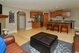Photo 3: 36 EVERSYDE Manor SW in Calgary: Evergreen House for sale : MLS®# C4143440