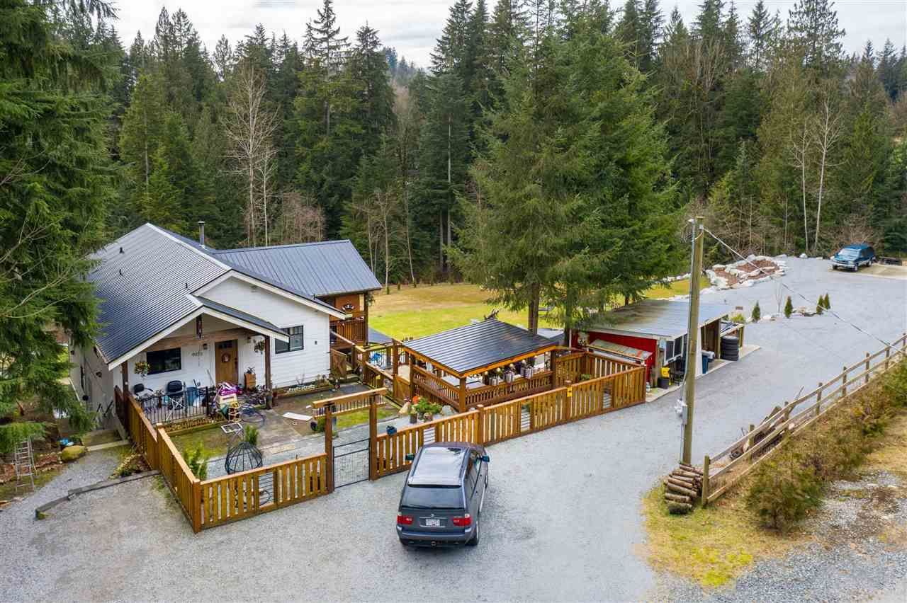 Main Photo: 9933 WATT Street in Mission: Mission BC House for sale : MLS®# R2547838