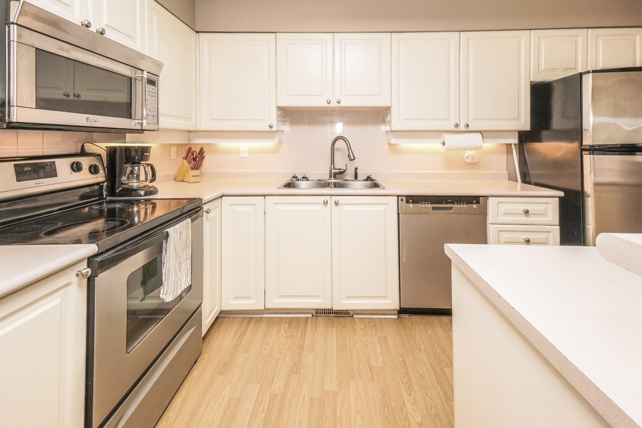 """Photo 2: Photos: 26 21960 RIVER Road in Maple Ridge: West Central Townhouse for sale in """"FOXBOROUGH HILLS"""" : MLS®# R2490584"""