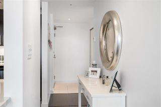 Photo 3: 2001 930 CAMBIE STREET in : Vancouver West Condo for sale : MLS®# R2093045