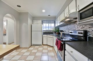 """Photo 3: 85 10760 GUILDFORD Drive in Surrey: Guildford Townhouse for sale in """"Guildford Close"""" (North Surrey)  : MLS®# R2222535"""