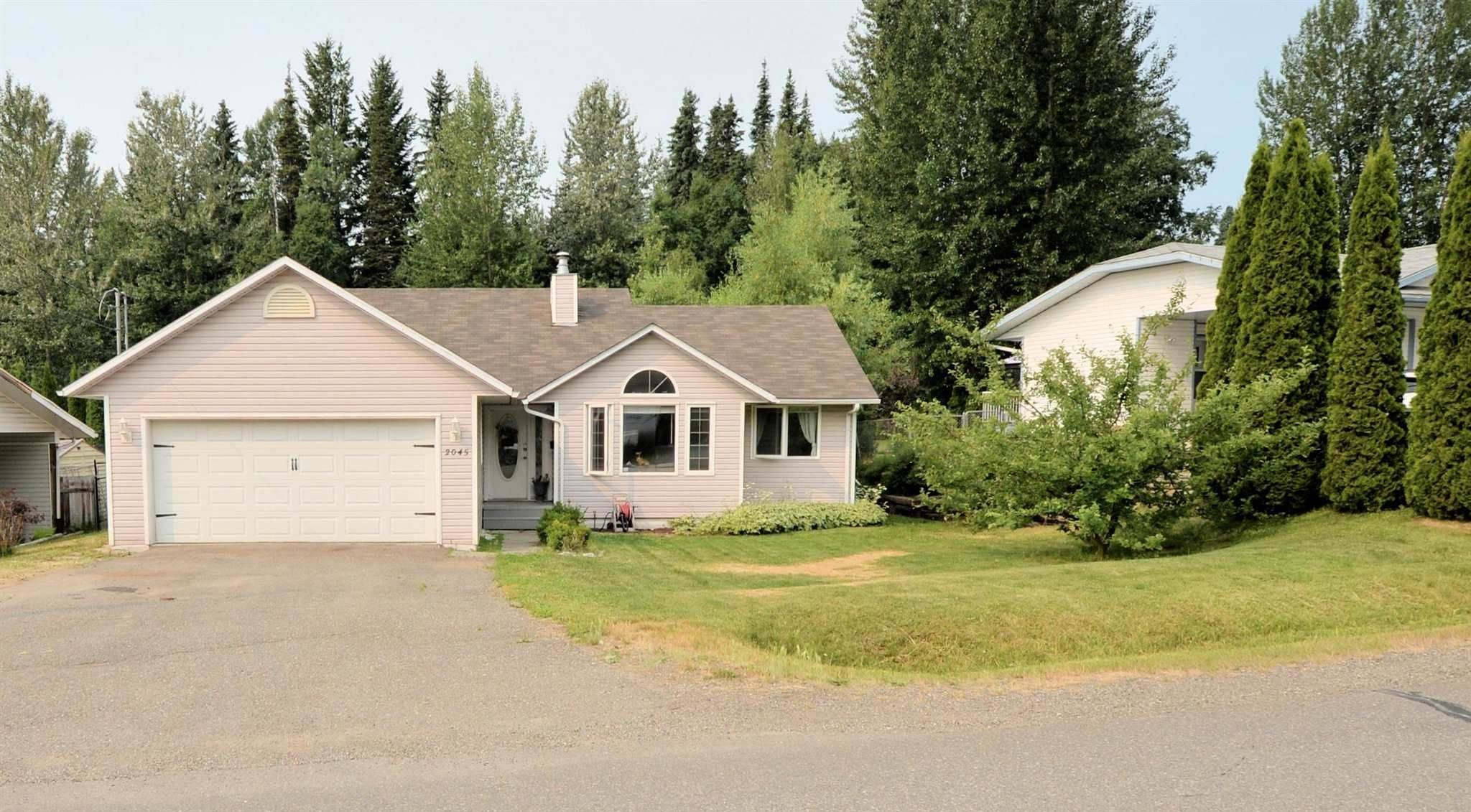 Main Photo: 2045 CROFT Road in Prince George: Ingala House for sale (PG City North (Zone 73))  : MLS®# R2600190