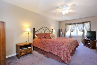 Photo 3: 800 Clements Drive in Milton: Timberlea House (2-Storey) for sale : MLS®# W3332307
