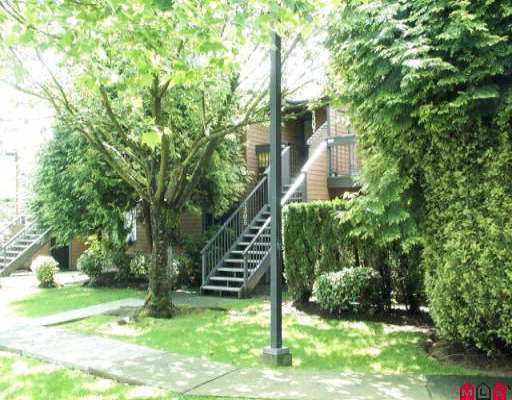 """Main Photo: 2305 10620 150TH ST in Surrey: Guildford Townhouse for sale in """"Lincoln's Gate"""" (North Surrey)  : MLS®# F2611707"""