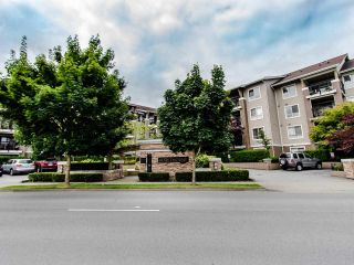 "Photo 24: 127 8915 202 Street in Langley: Walnut Grove Condo for sale in ""THE HAWTHORNE"" : MLS®# R2474456"