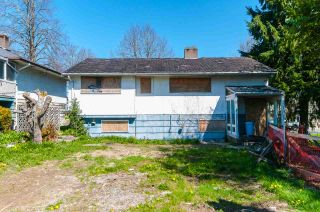 Photo 2: 3772 NITHSDALE Street in Burnaby: Burnaby Hospital House for sale (Burnaby South)  : MLS®# R2569625