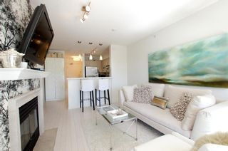 Photo 2: 405 2181 WEST 12TH AVENUE in Carlings: Home for sale