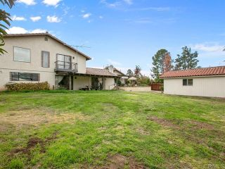 Photo 14: House for sale : 4 bedrooms : 2704 Crownpoint Place in Escondido