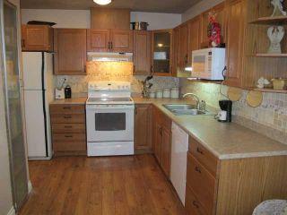 Photo 2: # 28 1140 EAGLERIDGE DR in Coquitlam: Eagle Ridge CQ Condo for sale : MLS®# V1116153