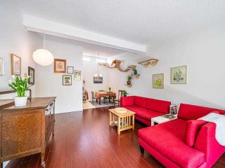 """Photo 12: 412 2333 TRIUMPH Street in Vancouver: Hastings Condo for sale in """"LANDMARK MONTEREY"""" (Vancouver East)  : MLS®# R2582065"""
