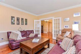Photo 3: 814 Royal Oak Ave in VICTORIA: SE Broadmead House for sale (Saanich East)  : MLS®# 778638