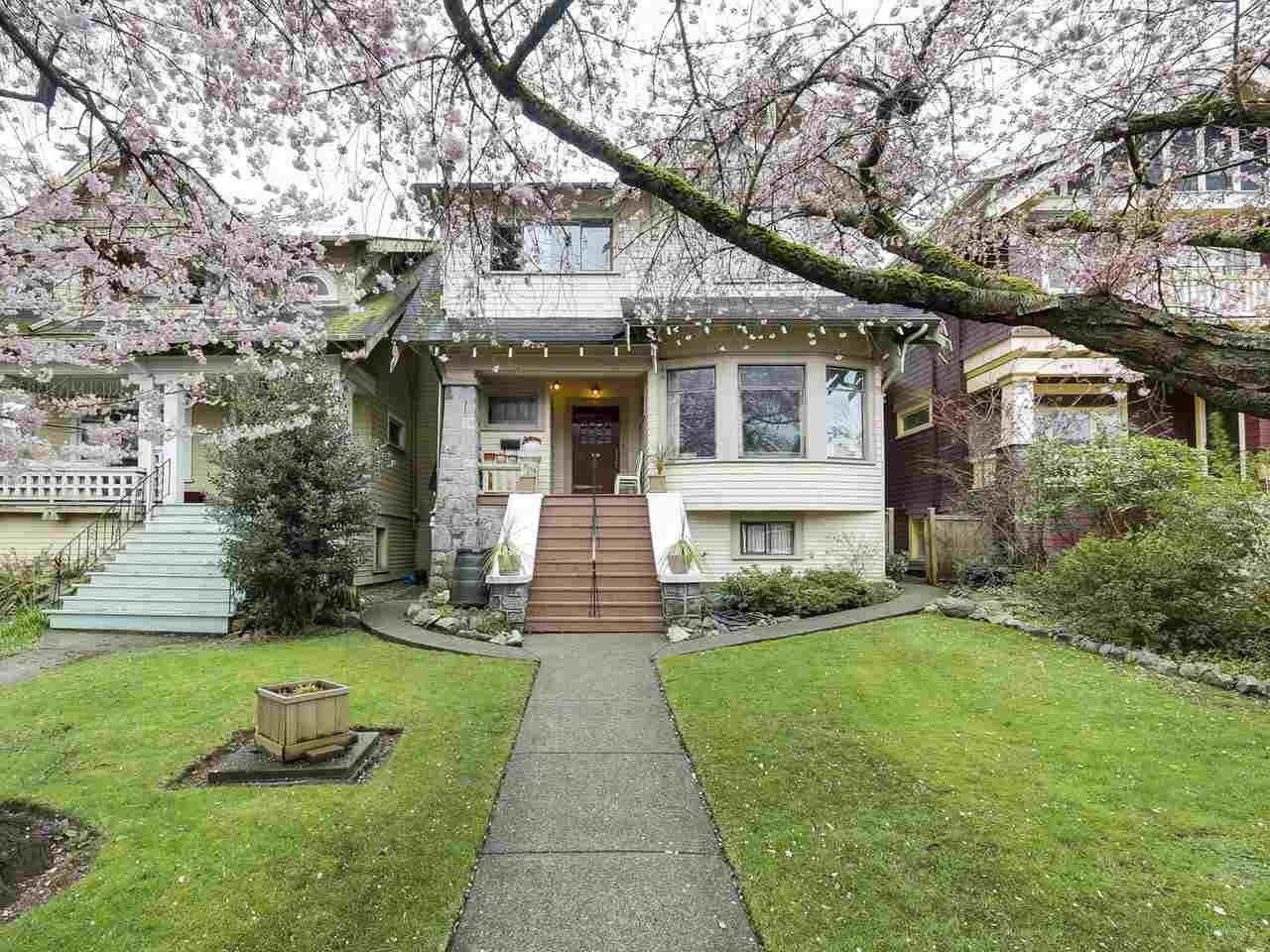 Main Photo: 3210 W 2ND Avenue in Vancouver: Kitsilano House for sale (Vancouver West)  : MLS®# R2154141