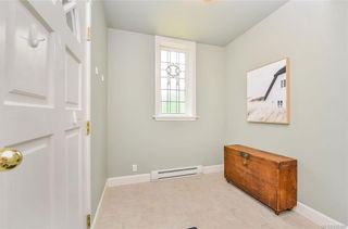 Photo 22: 4 914 St. Charles St in Victoria: Vi Rockland Row/Townhouse for sale : MLS®# 845160