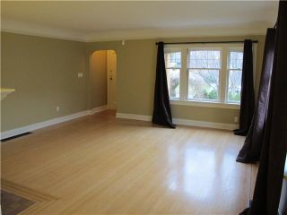 Photo 2: 232 5TH Avenue in New Westminster: Queens Park House for sale : MLS®# V922285