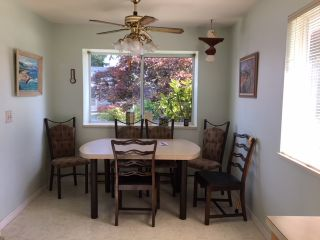 """Photo 6: 11 824 NORTH Road in Gibsons: Gibsons & Area Townhouse for sale in """"TWIN OAKS"""" (Sunshine Coast)  : MLS®# R2481809"""