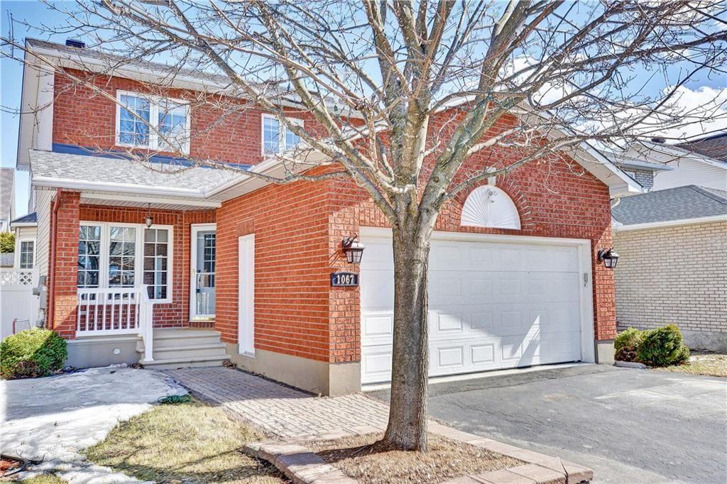 Main Photo: 1067 Ambercrest Cr. in Ottawa: House for sale (Carson Grove)