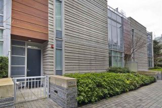 """Photo 2: TH3 3355 BINNING Road in Vancouver: University VW Townhouse for sale in """"BINNING TOWER"""" (Vancouver West)  : MLS®# R2554024"""