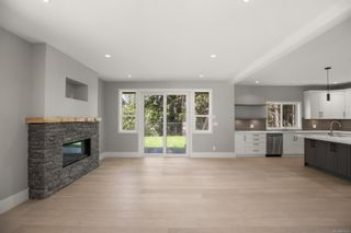 Photo 5: 904 Blakeon Pl in : La Olympic View House for sale (Langford)  : MLS®# 881625