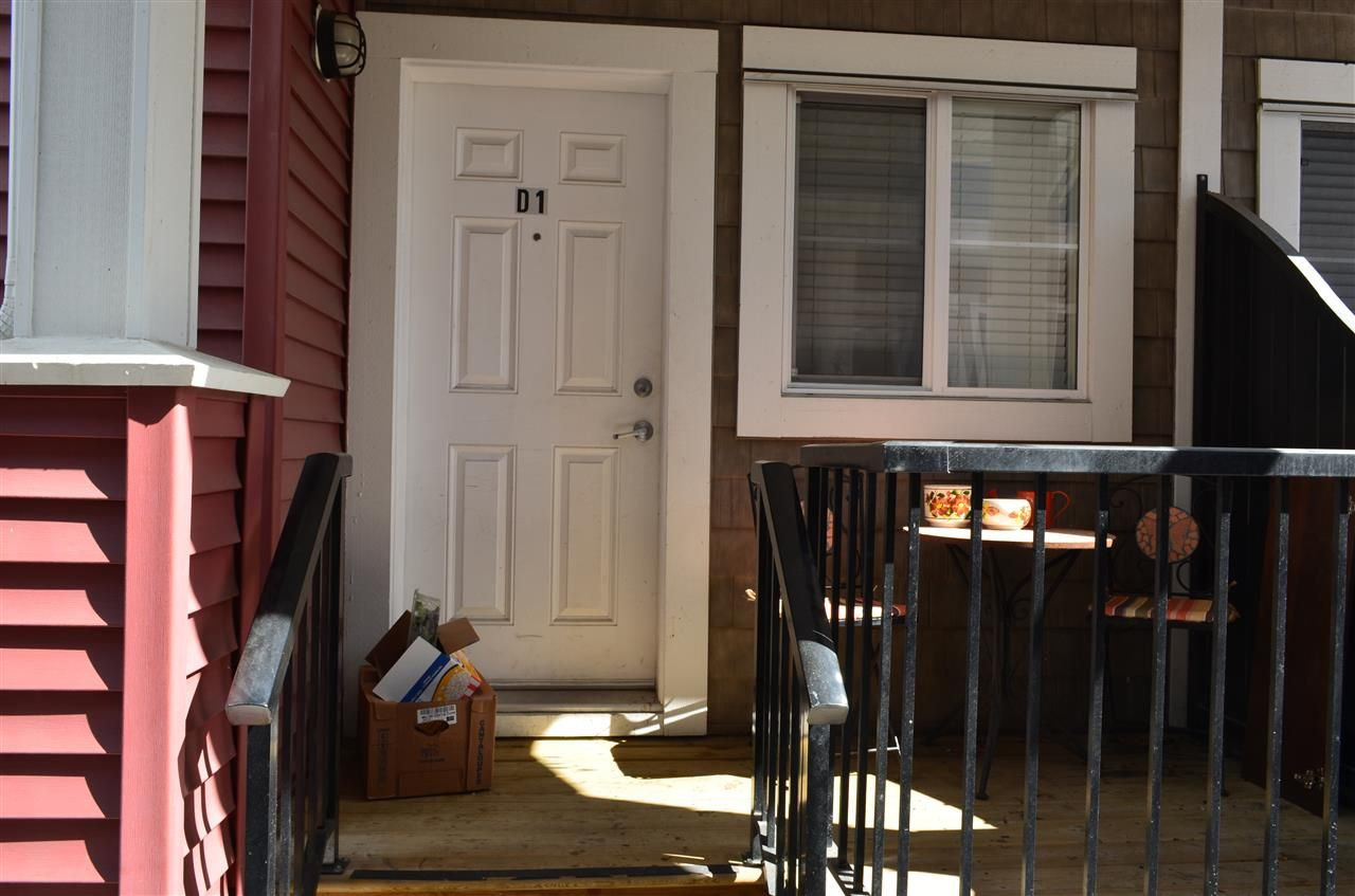 Main Photo: D1 19319 72ND AVENUE in : Clayton Townhouse for sale : MLS®# R2052012