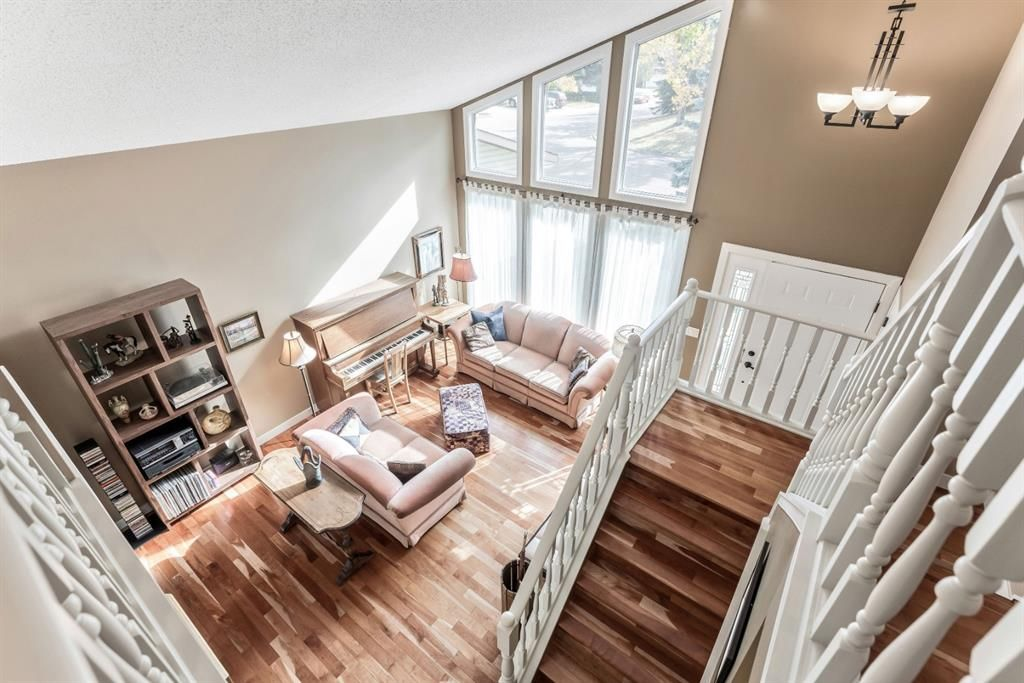Photo 25: Photos: 84 WOODBROOK Close SW in Calgary: Woodbine Detached for sale : MLS®# A1037845