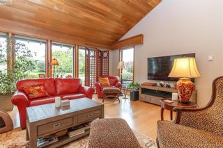 Photo 6: 839 Wavecrest Pl in VICTORIA: SE Broadmead House for sale (Saanich East)  : MLS®# 838161