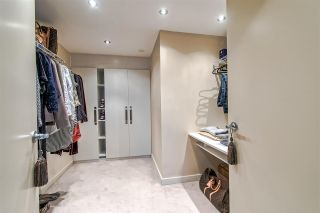 """Photo 15: 3905 1033 MARINASIDE Crescent in Vancouver: Yaletown Condo for sale in """"QUAYWEST"""" (Vancouver West)  : MLS®# R2366439"""