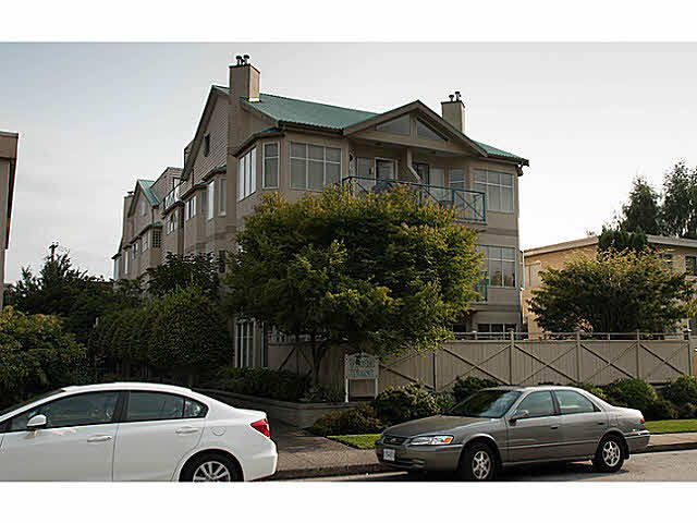 "Main Photo: 303 131 W 20TH Street in North Vancouver: Central Lonsdale Condo for sale in ""VISTA WEST"" : MLS®# V1080355"