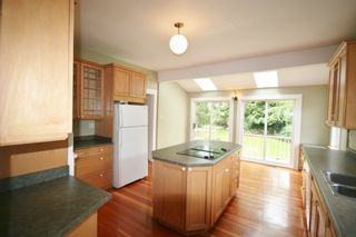 Photo 10: 3341 West 34th Avenue in Vancouver: Home for sale