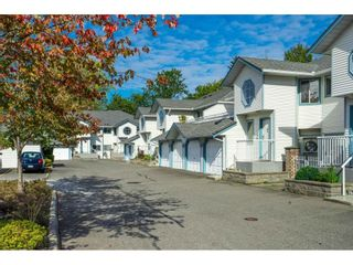 """Photo 2: 34 19797 64 Avenue in Langley: Willoughby Heights Townhouse for sale in """"CHERITON PARK"""" : MLS®# R2624179"""