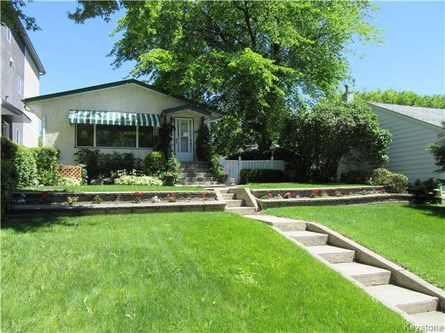 Main Photo: 432 Ritchot Street in Winnipeg: St Boniface Residential for sale (South East Winnipeg)  : MLS®# 1616795